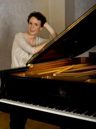 Пианистка Офра Ицхаки