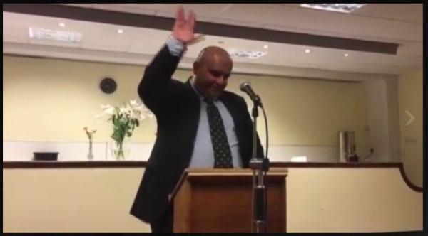 Mudar Zahran showing Vulcan salute