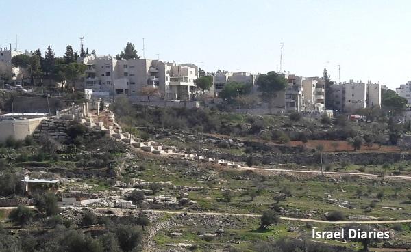 Steps from Kiryat Arba to Hebron