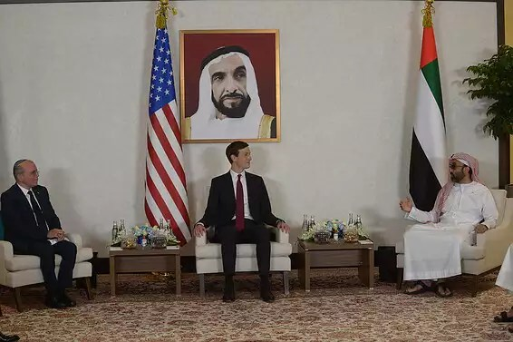 Kushner en visite aux EAU // Photo: Amos Gershom, GPO