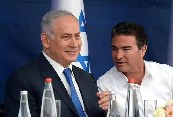 Des relations personnelles étroites.  Cohen avec le Premier ministre Netanyahu // Photo: Haim Tzach, GPO