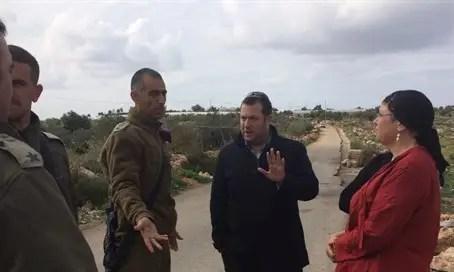 Yossi Dagan with IDF at Avnei Hefetz access road