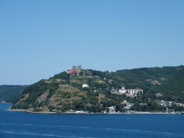 Burg Yoros