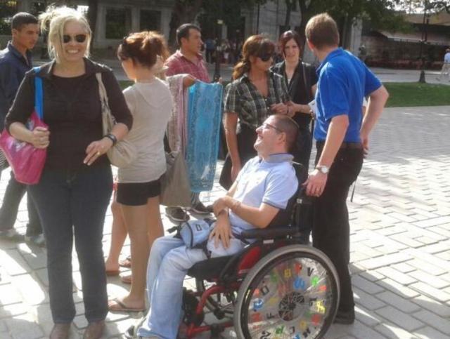 Mit Rollstuhl unterwegs
