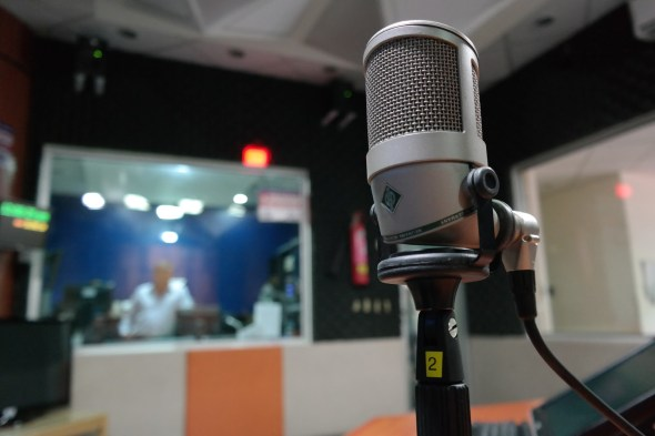 https://www.pexels.com/photo/grey-condenser-microphone-164755/