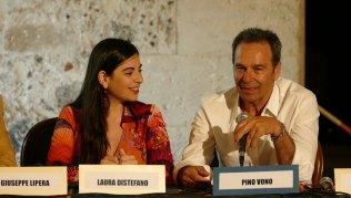 Laura-Distefano,-con-l'Autore-Pino-Vono