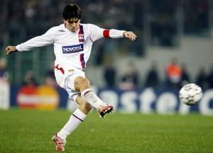 Juninho Pernambucano in tricoul lui Lyon