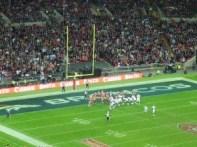 Wembley - stadionul in timpul meciului de fotbal american dintre 49ers si Broncos