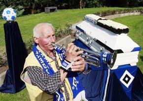 Inmormantare in cimitirul lui HSV