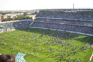 Stadionul lui Betis invadat de fani