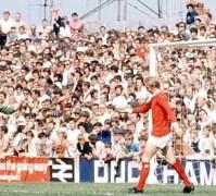 Watney-Cup - Dennis Law in meciul cu Reading