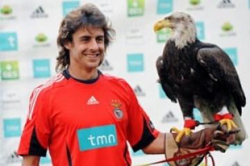 Pablo Aimar la Benfica alaturi de mascota echipei