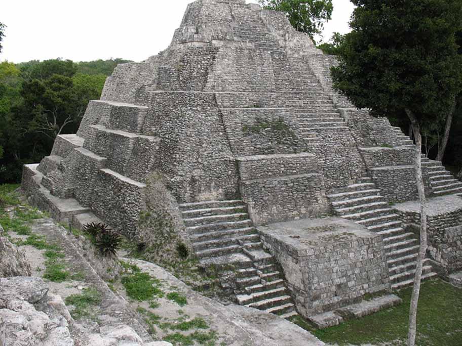 Situl arheologic de la Yaxha, Guatemala
