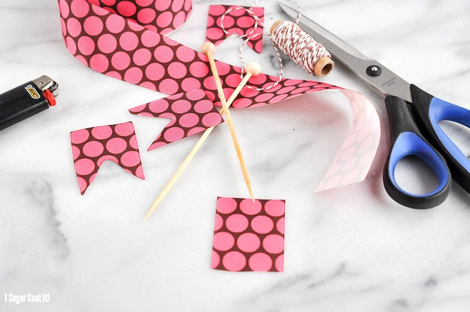 Simple Cake Topper {Tutorial Tuesday}