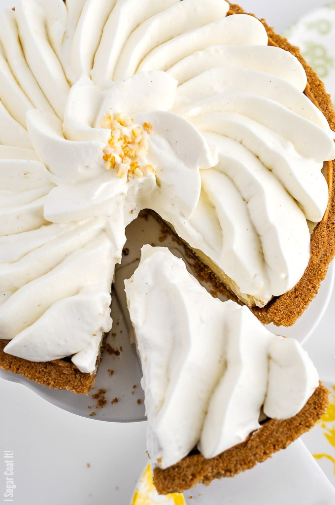 With a flavour profile similar to a blend of grapefruit and mandarin, this divinely aromatic Yuzu Whipped Coconut Cream Tart brings all the citrus love!