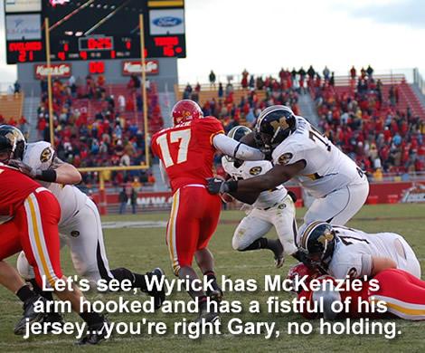 Missouri's Wyrick hold Iowa State's McKenzie