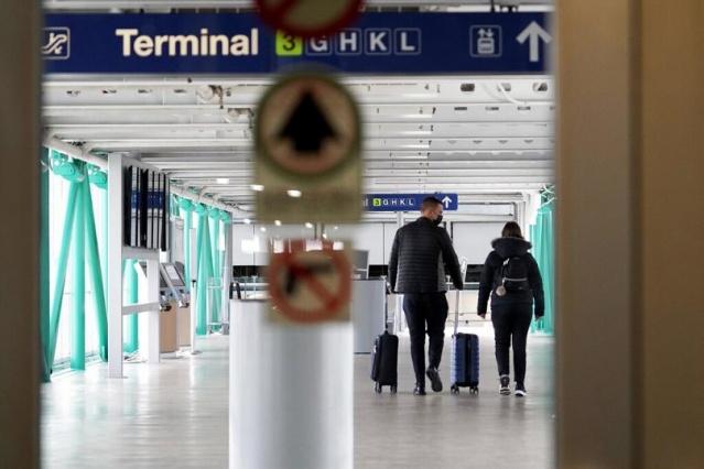 """Hazırlanan ortak raporda, """"Havayolu yolcuları koronavirüse yakalanan birisiyle temas etmedikçe yüksek risk grubunda gösterilmemeli ve normal kişilerle aynı muameleye tabi tutulmalı. Şu andaki salgın şartları içerisinde uçak yolcuları için Covid-19 testi ya da karantina uygulanması önerilmiyor."""" denildi. Raporun yayımlanması sonrası Avrupa Uluslararası Havaalanları Konseyi (ACI) üye ülkelere çağrıda bulunarak """"seyahat kısıtlamalarının ve yolculara uygulanan karantina kurallarının"""" bitirmesi gerektiğini açıkladı."""