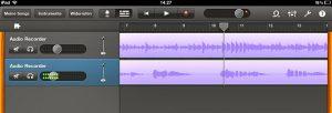 Auf Spur 1 wird zuerst die Gitarre augenommen, auf Spur 2 hinterher der Gesang