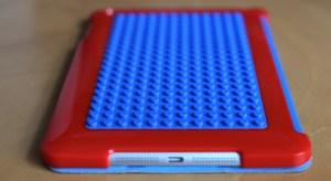 Mit der  Lego Bastelschutzhülle für das iPad mini Belkin begibt man sich auf Zeitreise