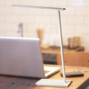 Aukey LED-Lampe mit Touchbedienung und USB-Anschluss