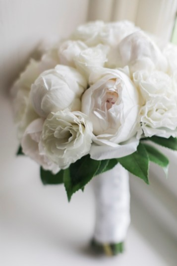 White wedding bouquet - Beautiful simple + elegant outdoor wedding under the Chateau in the garden | itakeyou.co.uk - garden wedding ,outdoor wedding ,blush wedding