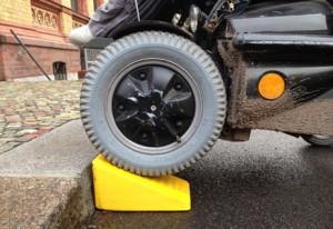 la-rampa-per-sedie-a-rotelle-di-Raul-Krauthausen--italiaccessibile