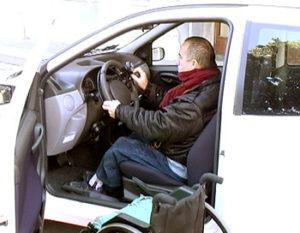 auto adattata disabili 300x233 - Legge 104: acquisto auto per disabili