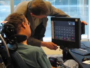 ausili disabili italiaccessibile 300x225 - Verso l'adozione del nuovo Nomenclatore tariffario degli ausili e delle protesi. Due documenti a cura del GLIC, la rete italiana dei centri ausili elettronici