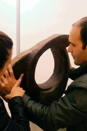 al-lavoro-su-una-scultura
