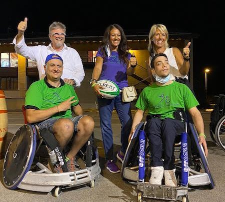 "L'atleta paralimpica  Giusy Versace dona due sedie da wheelchair rugby ai  ""4 Cats"" di Vicenza"