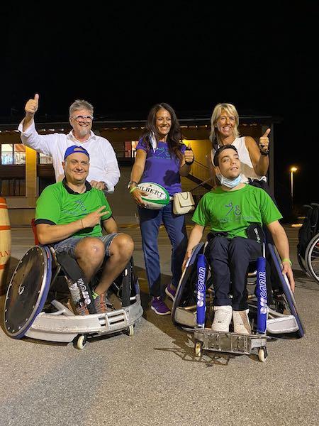 "L'atleta paralimpica  Giusy Versace dona due sedie da wheelchair rugby ai  ""4 Cats"" di Vicenza"