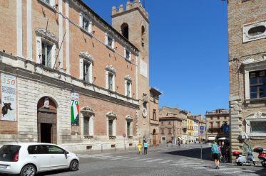 Osimo - Palazzo del comune