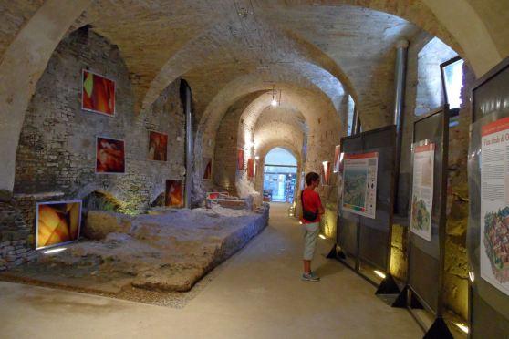 Osimo - L'ingresso alle grotte