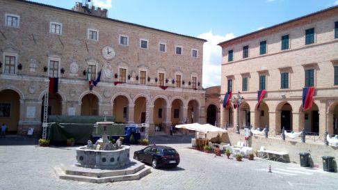 Treia - Piazza del comune