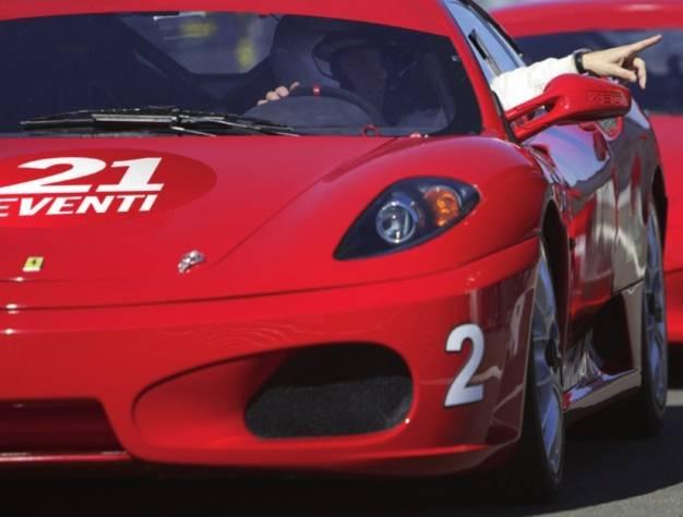 21 Eventi - Giri in pista con supercars, incentive Italia