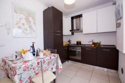2240-1Volledig uitgeruste keuken