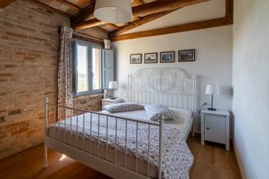 Slaapkamer met 2-persoonsbed (appartement 2)