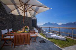 Prive-terras met uitzicht op het Comomeer