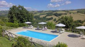 Het zwembad in het villadeel