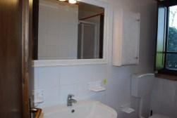 Appartement Vernaccia | Badkamer met douche