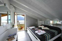 groot appartement comomeer