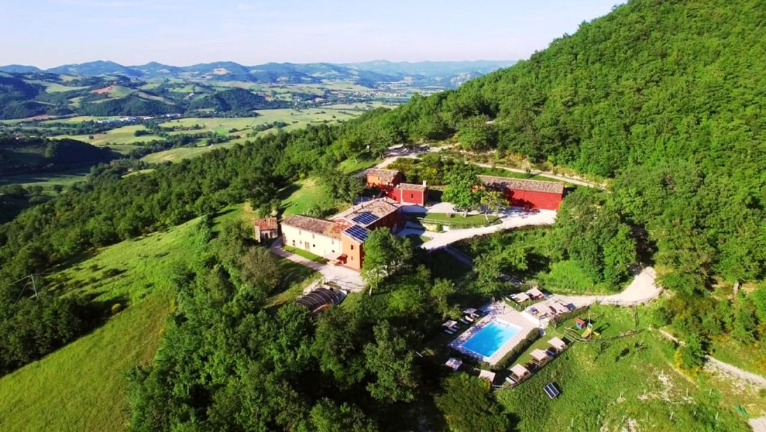 KIndvriendelijke agriturismo met zwembad in Le Marche, Italie