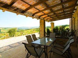 Vakantiehuis Lacrima   Terras met prachtig uitzicht