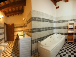Appartement Menta | Badkamer met bad