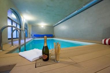 Zwembad overdekt & verwarmd (prive)