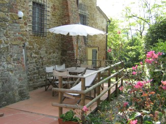 Appartement Raffaello   Prive-terras aan de zijnkant van het appartement
