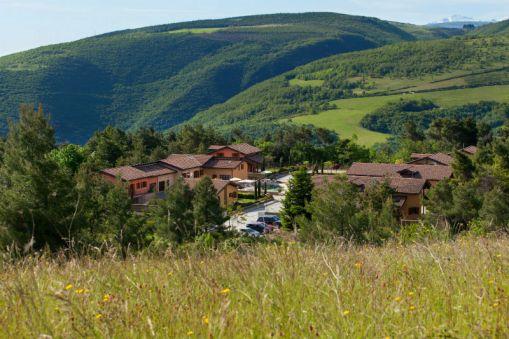 Het resort in de heuvels
