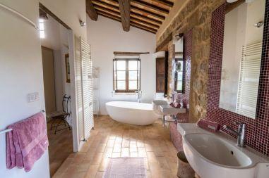 En-suite badkamer bij de master bedroom