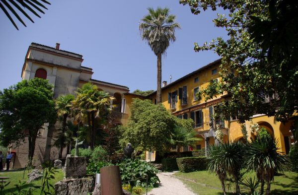 italiainpiega-pieghe-meravigliose-itinerari-moto-pianura-padana-tazio nuvolari-gardone-riviera-vittoriale