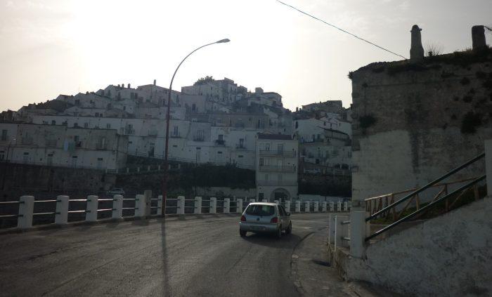 italiainpiega-pieghe meravigliose-itinerari-moto-sud-italia-gargano-monte sant angelo 3